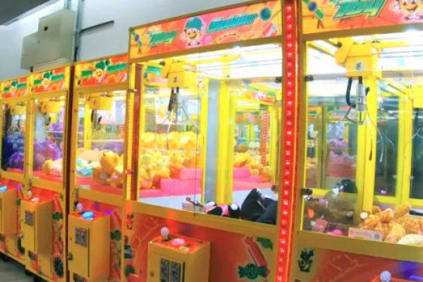 午馬巨無霸娃娃機 中古巨無霸娃娃機 超吸金大娃娃機 超大貨幣量娃娃機 大爪娃娃機 陽昇國際